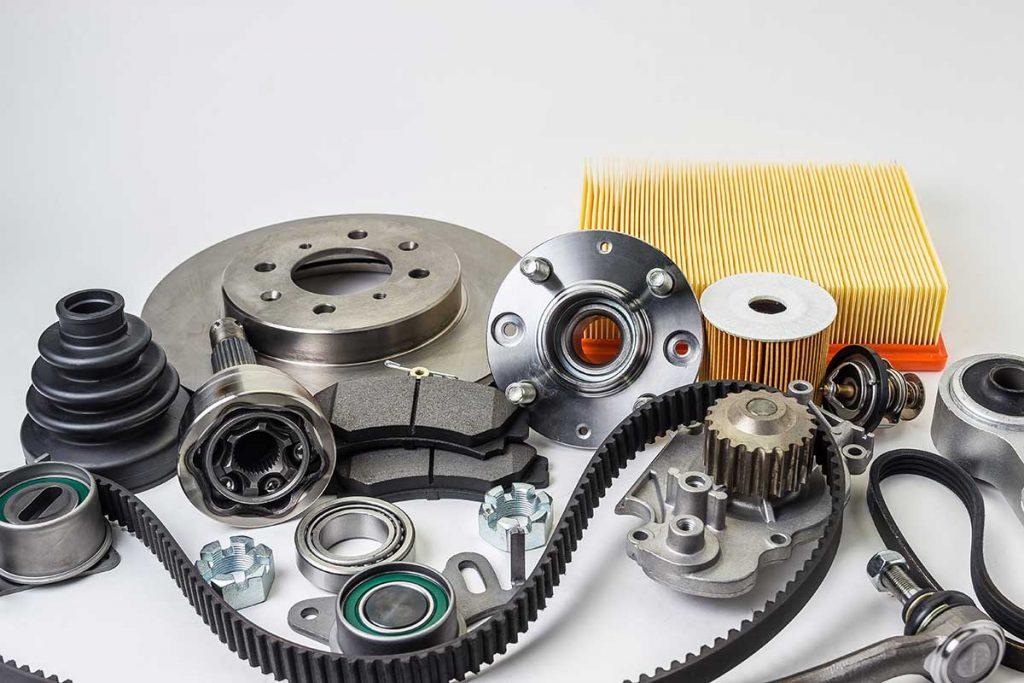 Acheter ses pièces de voiture en ligne : bon plan pour économiser sur l'entretien de sa voiture